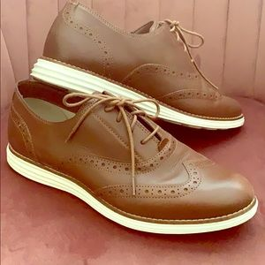 Cole Haan Lace Up Oxfords Size 8.5